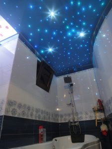 6 دلیل نصب یک سقف کشسان در حمام