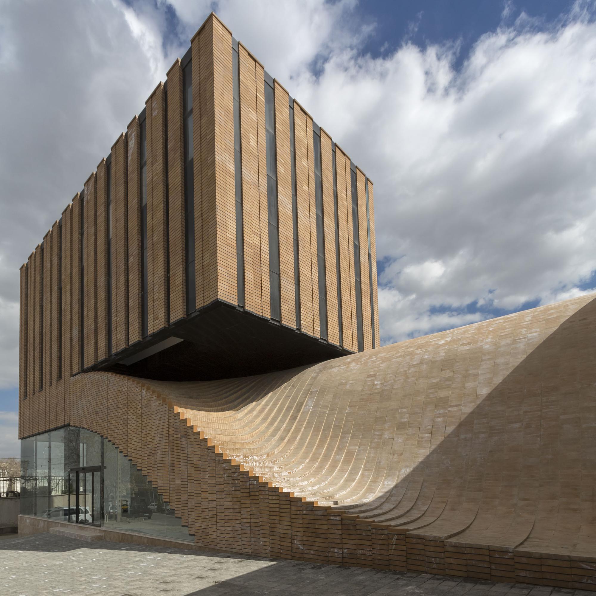 ساختمان ترمه، شاهکار معماری خاص و نوین در همدان