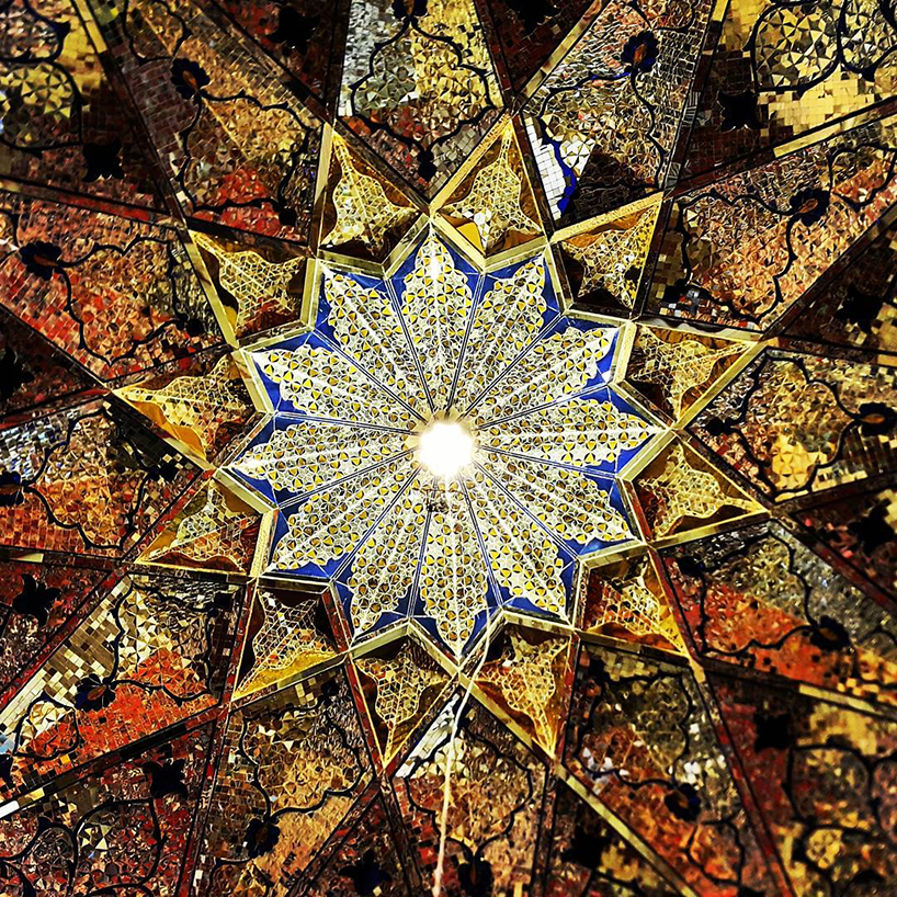 سقف امامزاده شاه چراغ