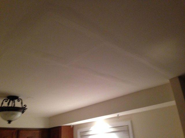 سقف گچی رنگ شده