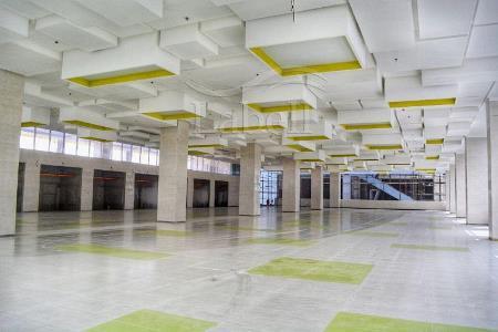 نصب سقف کشسان لابل در مجتمع تجاری تفریحی اکومال
