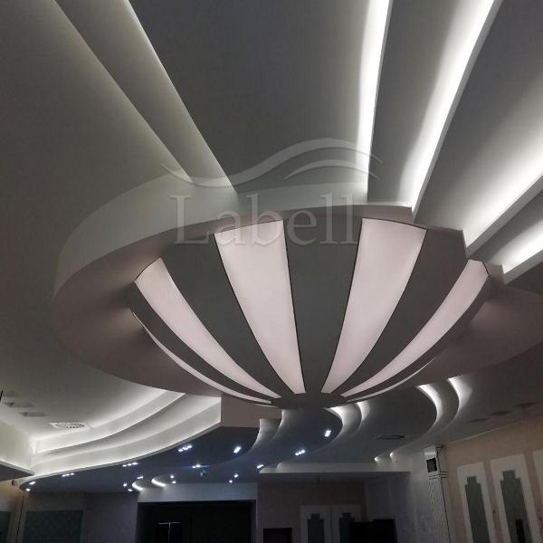 سقف کشسان لابل در هتل کریاس پالاس یزد