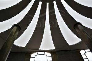 سقف ترنسپرنت لابل با نورپردازی